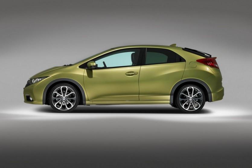 Во второй половине апреля станет доступный для заказа в России новый хэтчбек Honda Civic 5D